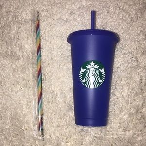 Color changing cup with extra rainbow 🌈 straw